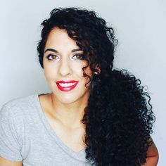 Amores tenéis nuevo vídeo en el canal con 5 peinados para pelo rizado. Link en la bio   #pelorizado #curlyhair #curls #curlygirl #bblogger #hairstyle #peinados #peluquería #picoftheday #instahappy #blogger #rizos #belleza #beauty