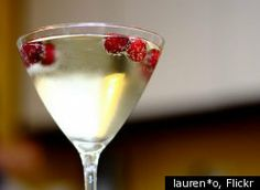 Tropical Peartini            How do you make it?  Ingredients:  1 1/2 ounce pear vodka   1/2 ounce DeKuyper Peachtree schnapps   1/2 ounce pineapple juice   1/2 ounce lime juice   Instructions:   Put ingredients into a shaker. Shake well and strain into a martini glass. Garnish it with an orange slice.