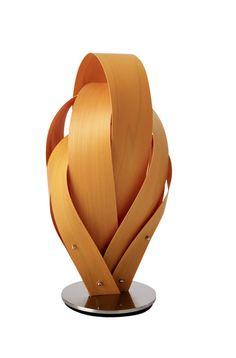 固定具は表面にあらわれぬよう何かの方法を考えたい。 最悪でも木質のものも一考  Really like the sculptural vibe of this table lamp.