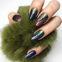 Trendsetter and Anaconda Gel Polish with Emerald Effect by Ania Leśniewska Indigo Educator Ostrołęka Indigo Nails, Star Nails, Welcome To The Jungle, Anaconda, Black Glitter, Love Nails, Nails Inspiration, Gel Polish, Nailart