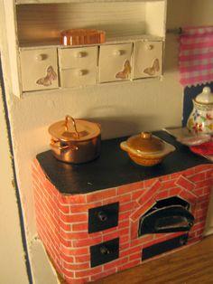 Nukkekoti Kassala: Toukokuun touhuja Miniatures, Dolls, Diy, Vintage, Handmade Toys, Little Cottages, Puppets, House, Baby Dolls