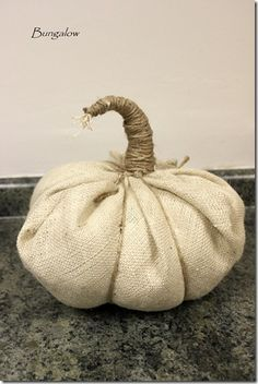 5 Minutes to Craft a Pumpkin with Burlap and Plastic bags - too great.