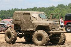 Ohh yeah sexy muddy Jeep