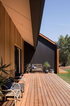 Stealth Farmhouse – Lurie Concepts – Bespoke & Sustainable Building Designs on Inspirationde House Cladding, Facade House, Sustainable Building Design, Modern Barn House, Casas Containers, Shed Homes, Exterior Design, My House, Building A House