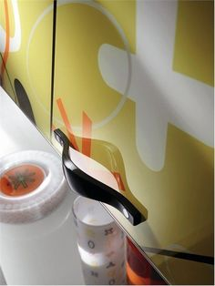 Awesome Bright and Alive Modern Kitchen Designs – Crystal by Scavolini : Bright And Alive Modern Kitchen Designs Crystal By Scavolini With White Yellow Wall And Kitcehn Table Cabinet Glass Kitchen Furniture, Kitchen Decor, Modern Kitchen Design, Modern Kitchens, Yellow Walls, Glass Kitchen, Küchen Design, Home Appliances, Bright