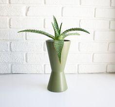 Vintage McCoy pottery vase. #midcenturymodern