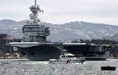 The nuclear aircraft carrier Charles de Gaulle sailed from Toulon on 11 February 2007 (Anne-Christine Poujoulat Photo / afp.com)