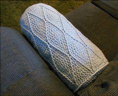 Harlequin Bolster Pillow :: Crochet Pillow Pattern