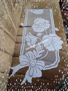 Crochet Table Runner Pattern, Crochet Placemats, Granny Square Crochet Pattern, Crochet Doilies, Crochet Lace, Doily Patterns, Crochet Patterns, Creative Bookshelves, Filet Crochet