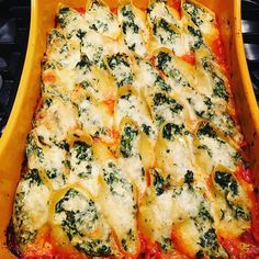 stuffed shells from Everyone Is look so yummy! Italian Stuffed Shells, Stuffed Shells Recipe, Stuffed Pasta Shells, Italian Recipes, Italian Meals, Pasta Casserole, Rachel Ray, Entrees, Main Dishes