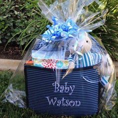 Baby Shower Gift and Diaper Caddy using the Double Duty Caddy by Thirty-One! www.thebagdealer.com