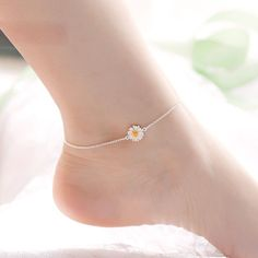 May 2019 - Silver Elegant Sweet Daisy Anklet. Learn more about this cool highly valuable anklets. Check out the product page for more. Ankle Jewelry, Dainty Jewelry, Ankle Bracelets, Cute Jewelry, Silver Jewelry, Vintage Jewelry, Jewelry Accessories, Jewelry Design, Women Jewelry