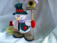Muñecos De Navidad En Masa Flexible Christmas Pasta, Polymer Clay Christmas, Christmas Ornaments To Make, Christmas Scenes, Christmas Crafts, Christmas Ideas, Clay Projects, Clay Crafts, Snowman Decorations