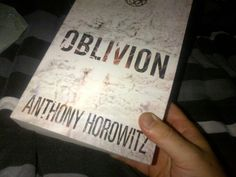 @JohnnyTeal is reading OBLIVION by @AnthonyHorowitz. #fridayreads