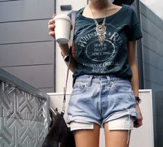 Cool outfit with denim shorts