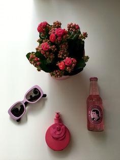 Pink essentials  #prada #valentino #flowers #pink