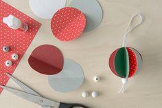 Askartele joulukoristeet lasten kanssa: Paperipallot kuuseen   K-ruoka #joulu Art Decor, Handmade, Diy, Noel, Hand Made, Bricolage, Do It Yourself, Homemade, Diys