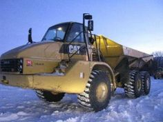 #Caterpillar #dumptruck and snow!  More at http://www.machineryzone.com/used/articulated-dump-trucks/1/3377/caterpillar.html