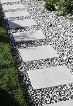 Backyard Sandbox Ideas for Kids: The Best Outdoor Sandboxes - Othence Backyard Playhouse, Ponds Backyard, Backyard Games, Backyard Landscaping, Diy Pergola, Scandinavian Garden, Outdoor Walkway, Pond Design, Potted Trees