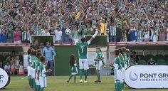 Betis Siviglia: Joaquin torna a casa - Sportmediaset - Sportmediaset - Foto 13 Soccer, Home, Futbol, European Football, European Soccer, Football, Soccer Ball