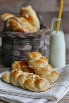 La ricetta della felicità: Treccine lievitate soffici a colazione