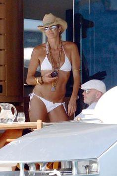 Elle MacPherson Ibiza July 2012  48 anni e 4 mesi. WOW!!!!!!