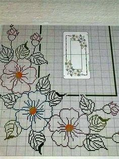 This Pin was discovered by Fer Cross Stitch Borders, Cross Stitch Flowers, Cross Stitch Designs, Cross Stitching, Cross Stitch Embroidery, Embroidery Patterns, Hand Embroidery, Cross Stitch Patterns, Broderie Bargello