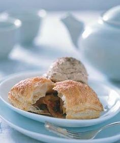 Apricot and Chocolate Pastry Pillows Recipe Chocolate Pastry, Best Chocolate, Chocolate Recipes, Craving Chocolate, Brie Puff Pastry, Frozen Puff Pastry, Real Simple Recipes, Good Healthy Recipes, Easy Recipes