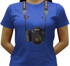 Camiseta estampada com uma câmera Canon EOS 5D MarkIII.