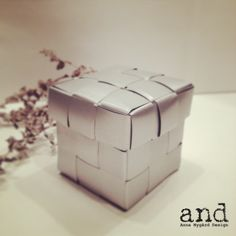 Small jewellery box, made of recycled window blinds, www.annanygard.com