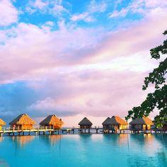 Tahitian mornings with cotton candy skies! Thank you @tahititourismenorthamerica for making this trip possible. #tahititourisme #tahiti #tahititourisme #lovetahiti #moorea #mooreapearl #disfunkshionmag #travel #adventure