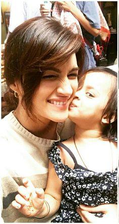 ❤ I love baby. Bollywood Photos, Bollywood Girls, Indian Bollywood, Bollywood Stars, Cute Celebrities, Indian Celebrities, Bollywood Celebrities, Celebs, Bollywood Heroine