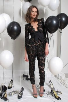 See the complete Stella McCartney Resort 2010 collection.