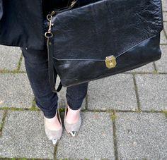 Vintage leather cross body bag Vintage Leather, Leather Crossbody Bag, Cross Body, Photo And Video, My Style, Bags, Fashion, Handbags, Moda
