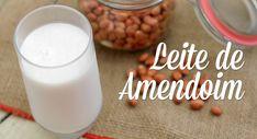 O leite de amendoim é um leite vegetal super saboroso, nutritivo e mais barato que o de amêndoas. Depois de testar algumas receitas de leite de amendoim, compartilho com vocês a que mais me agradou! Vegetarian Recipes, Healthy Recipes, Good Food, Yummy Food, Going Vegan, Raw Vegan, Healthy Drinks, Dairy Free, Food And Drink