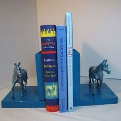 DIY bookends! Click here for the tutorial
