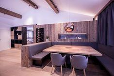 15 Greatest Inside Design Concepts for Small Kitchen - Metabes Big Kitchen, Home Decor Kitchen, Bathroom Wall Storage, Esstisch Design, Hanging Cabinet, Kitchen Benches, Inside Design, Bar Chairs, House Rooms