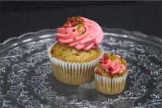 #white #chocolate #strawerry #cupcake