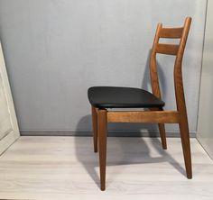 Vintage Stühle - Stuhl Holz Schwarz Kunstleder *Mid Century No.1 - ein Designerstück von Mid-Century-Frankfurt bei DaWanda