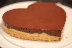 Snickerskake med karamell 1.Nøttebunn 2 eggehviter                                         30 g...