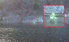 IMPRESSIONANTE: Entidade Extraterrestre de Luz anda sobre a Água em Marble Falls, Texas!