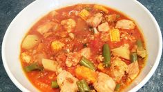 Rainbow vegetable & chicken casserole Weight Loss Eating Plan, Easy Weight Loss, Free Meal Plans, Evening Meals, Chicken Casserole, Mediterranean Style, Everyday Food, Eating Plans, Thai Red Curry