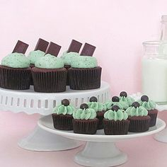 These mint chocolate chip cupcakes are definitely a super festive option for Holiday baking!