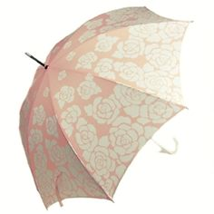 I want this umbrella...I need an umbrella period, but I really like this one lol.