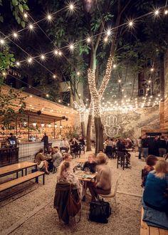 Ideas deco para exteriores. Forja y madera que visten y decoran terrazas y espacios al aire libre. www.fustaiferro.com fustaiferro.wordpress.com #coffeeshop