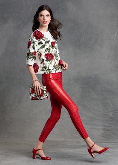 The rose will blossom in your summer wardrobe. Discover the whole collection http://bit.ly/1HPbmj9 #DGROSE