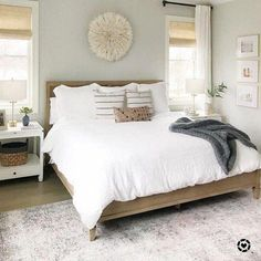 Best Bedroom Decor Ideas For Inspiring Your Master Bedroom - Master suite is considered that truth which makes decorating suggestions is equally essential, the fantastic news is that your notion is . Since this bed Ballard Designs, Contemporary Bedroom, Modern Bedroom, Minimalist Bedroom, Bedroom Classic, Modern Contemporary, Minimalist Living, Minimalist Decor, Modern Luxury