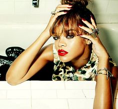 Shared by Find images and videos about rihanna and riri on We Heart It - the app to get lost in what you love. Rihanna Riri, Rihanna Style, Beyonce, Rihanna Makeup, Rihanna Music Videos, Photos Rihanna, Bad Gal, Swag Style, Celebs