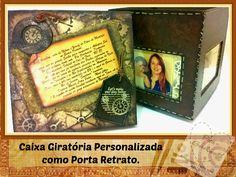 caixa em mdf giratória com porta retrato  decoração personalizada com fotos e mensagem escolhida pelo cliente. técnicas com filtro de café, pintura em estêncil e falso couro.