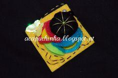 Pregadeira feita em feltro, pérolas, borboleta - Produto de autor - Peça única